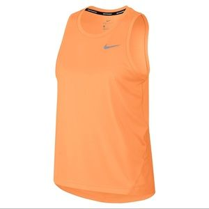 Nike Women's Miler Tank Style: AJ8102-882